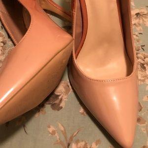 Pink heel shoe